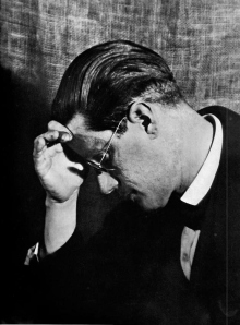 _thumb_wMan-Ray-James-Joyce_jpg_1280x1024_detail_q98