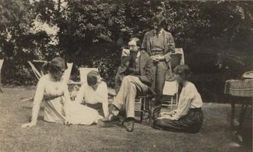 NPG Ax140432; Lady Ottoline Morrell; Maria Huxley (nÈe Nys); Lytton Strachey; Duncan Grant; Vanessa Bell (nÈe Stephen) by Unknown photographer